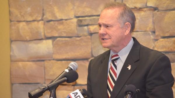 Judge Roy Moore speaks at the Mid Alabama Republican Club
