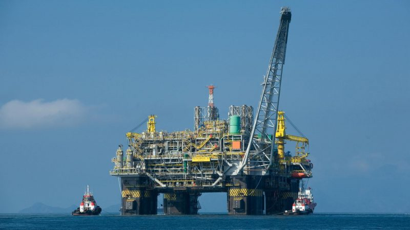 https://wbhm.org/wp-content/uploads/2010/04/Oil_platform-800x450.jpg