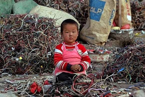 https://wbhm.org/wp-content/uploads/2010/10/415400769_30f88ddcb1_electronic-Recycle.jpg