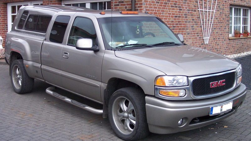 https://wbhm.org/wp-content/uploads/2010/12/General_Motors-800x450.jpg