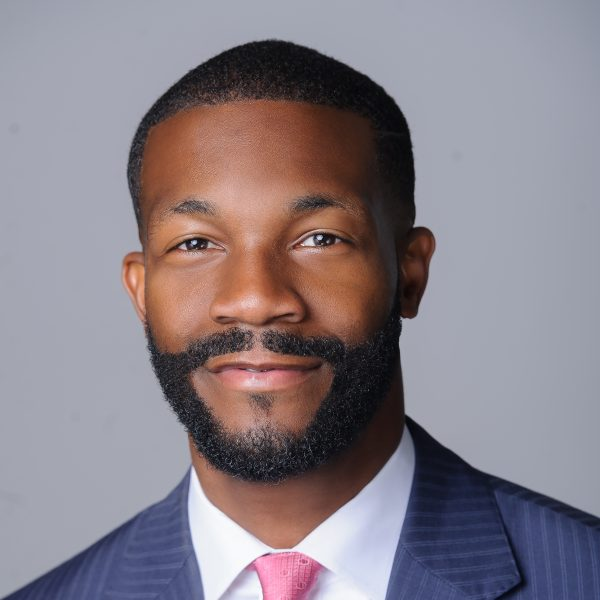 https://wbhm.org/wp-content/uploads/2018/05/Mayor_Woodfin_Headshot_1_copy-600x600.jpg