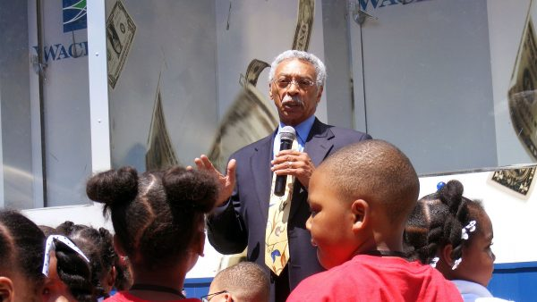 https://wbhm.org/wp-content/uploads/2018/12/Larry_Langford_speaks_to_the_children-600x338.jpg