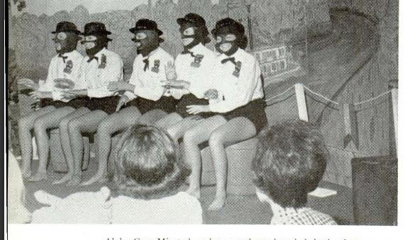 Auburn Yearbook Photo Shows Ivey's Sorority Sisters in Minstrel Show; Governor Is Not in the Picture