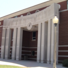 https://wbhm.org/wp-content/uploads/2019/03/640px-Hoover_High_School_Facade-140x140.png