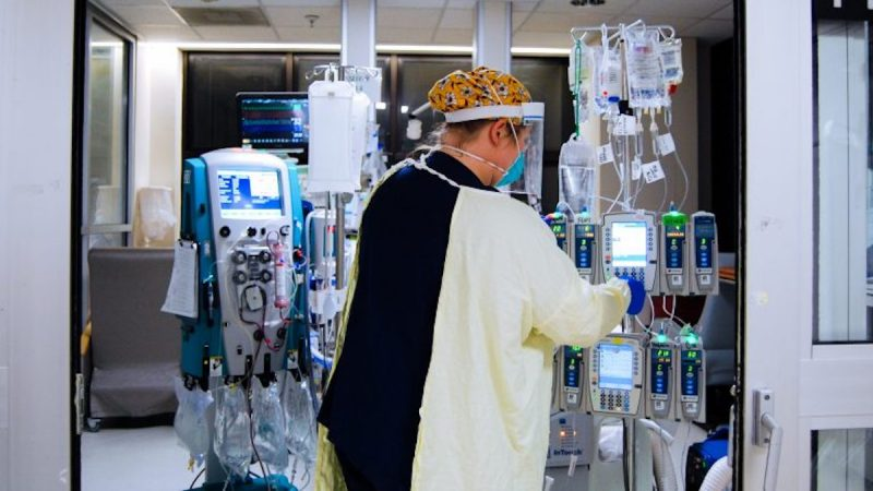 https://wbhm.org/wp-content/uploads/2020/12/Hospital-COVID-edits-12-768x511-1-e1608144695284-800x450.jpg